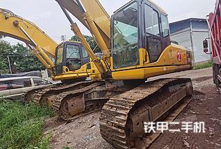 大足小松PC300-7挖掘机实拍图片