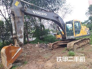 日照沃尔沃EC210BLC挖掘机实拍图片