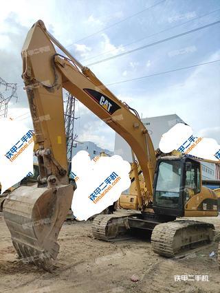 广州卡特彼勒320C挖掘机实拍图片