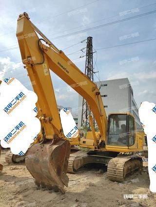 广州小松PC200-6E挖掘机实拍图片