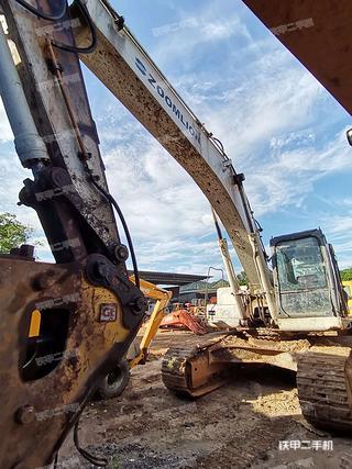 中聯重科ZE330E挖掘機實拍圖片