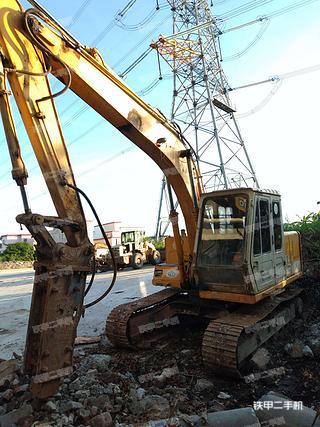 加藤HD450VII挖掘机实拍图片