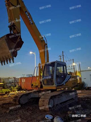 加藤HD820III挖掘机实拍图片