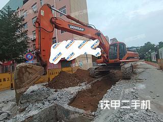 斗山DH370LC-9挖掘机实拍图片