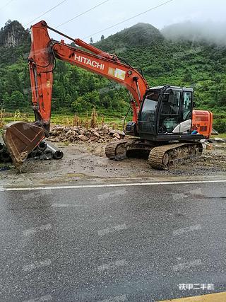 日立ZX130H-5A挖掘机实拍图片