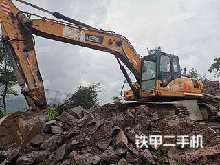 雷沃重工FR260挖掘机实拍图片