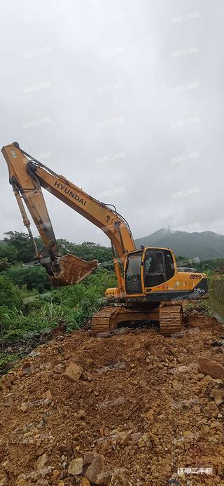 二手现代 R215-9C 挖掘机转让出售