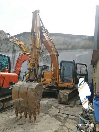 雷沃重工FR170挖掘机实拍图片
