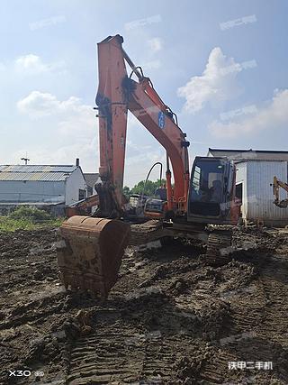 日立ZX130H挖掘机实拍图片
