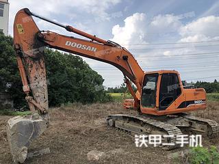 斗山DH220LC-7挖掘机实拍图片