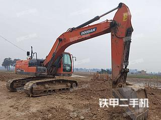 斗山DX215-9C挖掘机实拍图片