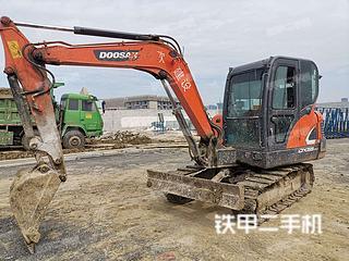 上海斗山DX55-9C挖掘机实拍图片