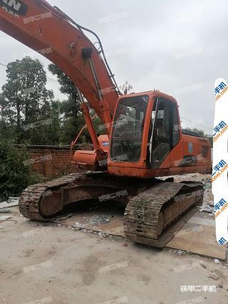 楚雄斗山DH258LC-V挖掘机实拍图片