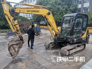 上海现代R60-7挖掘机实拍图片