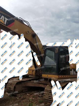 楚雄卡特彼勒323DL挖掘机实拍图片