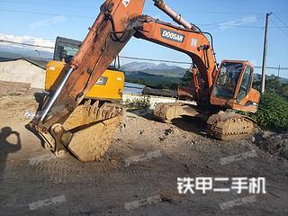 大宇DH220LC-V挖掘机实拍图片