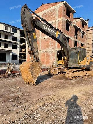 浙江-金华市二手沃尔沃EC220D挖掘机实拍照片