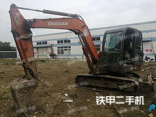 斗山DH60-7挖掘机实拍图片