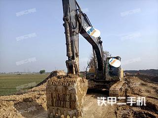 山东-菏泽市二手约翰迪尔E240LC挖掘机实拍照片