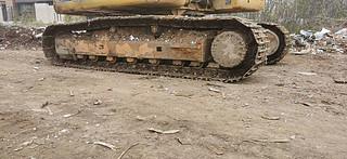 二手卡特彼勒挖掘机单侧履带整体实拍图369