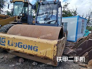 云南-昆明市二手柳工CLG6122压路机实拍照片