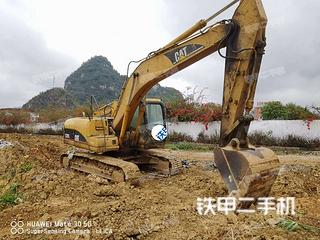 百色卡特彼勒320C挖掘机实拍图片