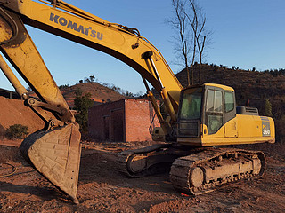 二手小松挖掘机左前45实拍图224
