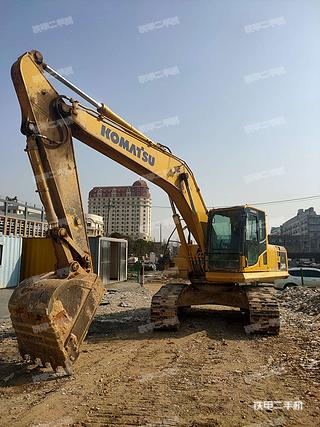小松PC210-8M0挖掘机实拍图片