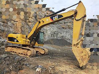 二手卡特彼勒挖掘机右前45实拍图225