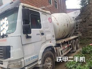 保定中国重汽ZZ5255GJBN4346C1搅拌运输车实拍图片