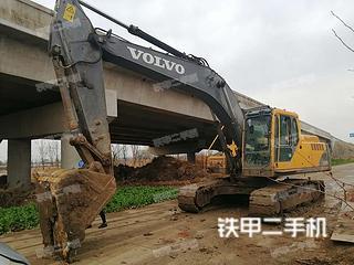 沃爾沃EC240B挖掘機實拍圖片