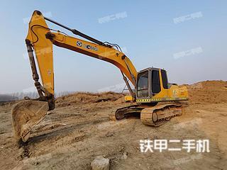 北京徐工XE215挖掘机实拍图片