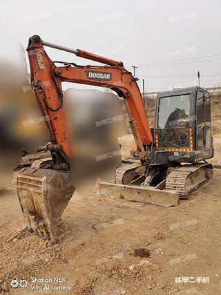 兰州斗山DH60-7挖掘机实拍图片