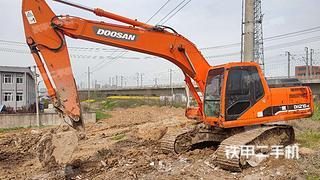 斗山DH215-9挖掘機實拍圖片