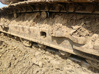 二手日立挖掘机单侧履带整体实拍图369