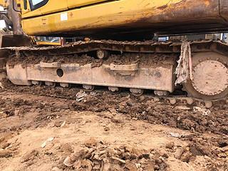 二手小松挖掘机单侧履带整体实拍图369
