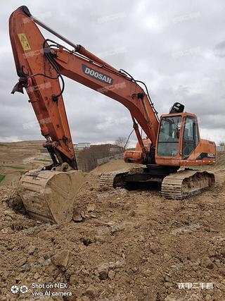 隴南斗山DH220LC-7挖掘機實拍圖片