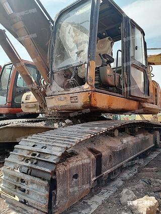 云南-昆明市二手雷沃重工FR260挖掘机实拍照片