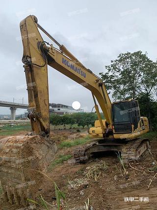 廣州小松PC220-8挖掘機實拍圖片