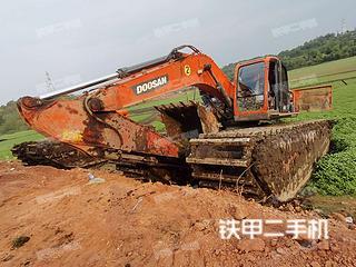 徐工XE215S挖掘機實拍圖片