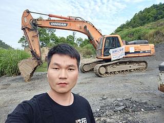二手斗山挖掘机实拍图1