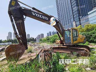 無錫沃爾沃EC240B挖掘機實拍圖片