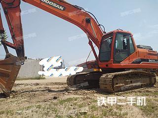 日照斗山DH225LC-9挖掘机实拍图片