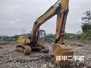 徐工XE210挖掘机实拍图片
