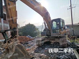 徐工XE215CA挖掘机实拍图片