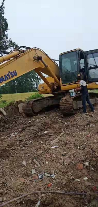 二手小松挖掘机整机左前45°实拍图366
