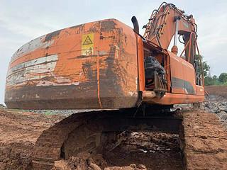 二手斗山挖掘机整机右后45°实拍图367