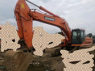 二手斗山挖掘机整机左前45°实拍图366