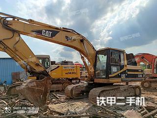 卡特彼勒320B挖掘機實拍圖片