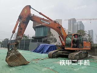 斗山DX260LC挖掘機實拍圖片